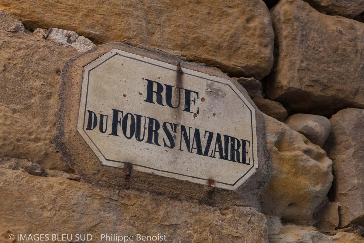 Plaque de rue (©Ph . Benoist)