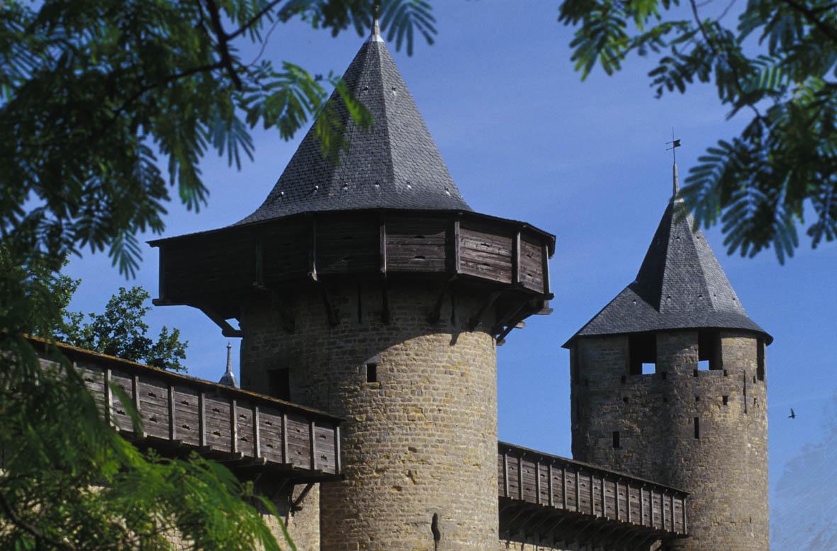 Carcassonne, une cité de pierres… et de bois