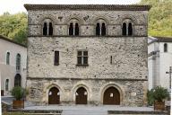 La maison romane qui a accueilli la cour d'amour d'AdélaÏde à Burlats